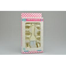 Set 7ks cukrářských vykrajovátek (5cm) se štětečkem (14x4cm) QLUX - Bílý